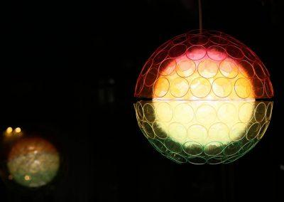 Kreuzberg leuchtet / farbige Kugel